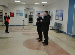 Тындинские коммунисты организовали экскурсию в аэропорт для детей в честь Дня космонавтики