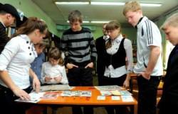 встрнеча со школьниками в Свободном ко Дню комсомола