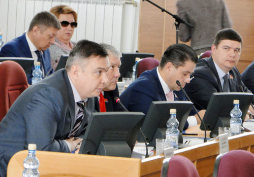 Фракция КПРФ Амурского Заксобрания предложила вернуть 7-му ноября статус праздника