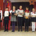 Белогорские коммунисты отметили День пионерии торжественной линейкой и подвели итоги работы пионерского отряда