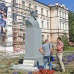 pamyatnik-Kalininu-restavratsiya-4